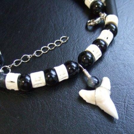 【表示現品】メジロザメの歯ビーズネックレス - BLN-12039