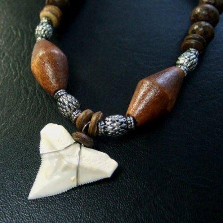 本物のサメの歯ネックレス - 20039etk