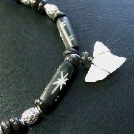 本物のサメの歯ネックレス - 20041etk