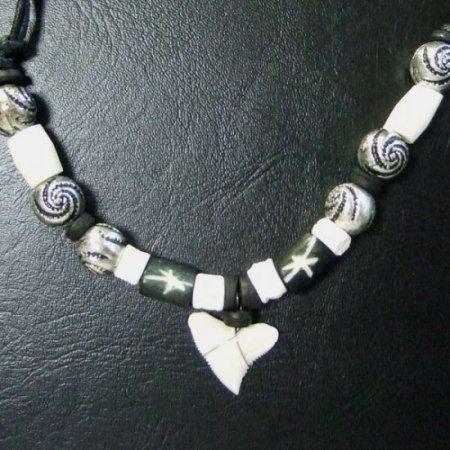 本物のサメの歯ネックレス - 20044etk