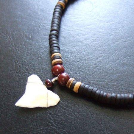 オオメジロザメの歯(上・大) ビーズチョーカー(長) - 20720zhb