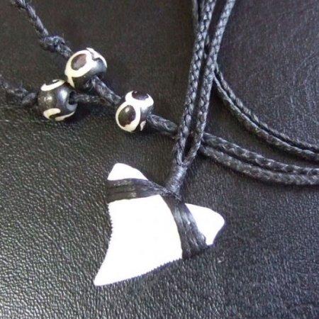 【表示現品】本物のサメの歯(ブル・シャーク)ネックレス - BLN-12032