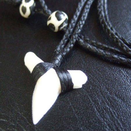 【表示現品】本物のサメの歯(ブル・シャーク)ネックレス - BLN-12033