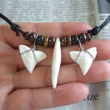 本物の牙とサメの歯コラボペンダント - 15192zhc