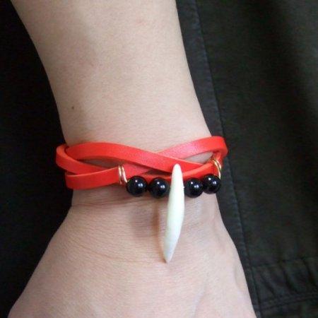 本物の牙レザーブレスレット(赤) - 15745zhc
